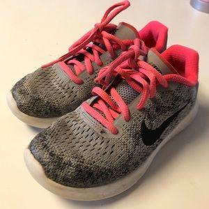 Girls Nike's